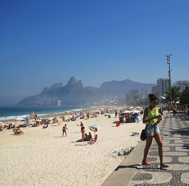 the-girl-from-ipanema-1233342_640